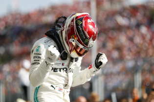 Brawn: 'Hamilton kan titelrecord Schumacher verbreken'