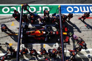 Button: 'Verstappen houdt van puntige bolides'