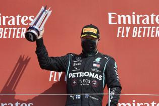 Wolff legt uit: 'Bottas vond dat we het tegenovergestelde van Verstappen moesten doen'