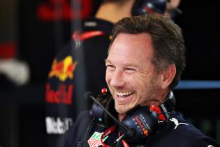 Horner: 'Volgend jaar gaan we Mercedes uitdagen, het gat wordt steeds kleiner'