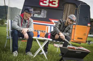 Verstappen reageert op Horner: 'Maakt niet uit waarom Ricciardo vertrok'