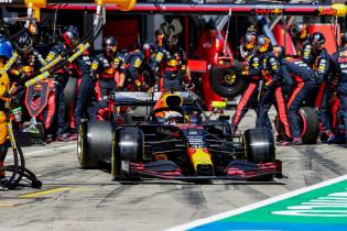 Hakkinen voorspelt frontenstrijd Red Bull en Ferrari tegen Racing Point en Mercedes