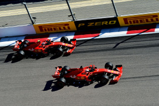 Lammers: 'Het is hartstikke logisch dat Vettel tegen zijn team inging'