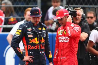 Villeneuve bekritiseert Verstappen: 'Had nog een straf moeten krijgen'