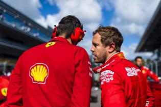 Webber vreest voor einde carriere: 'Vettel luistert voor geen meter'