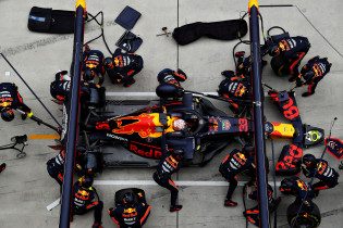 Update II | FIA noemt in beslag nemen van motoren 'routine check'