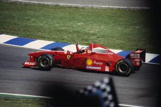 F1 Kijktip | Schumacher vs. Villeneuve in bloedstollend seizoenslot van 1997
