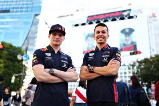 NB: 'Excellerende Verstappen en constante Albon kunnen Red Bull constructeurskampioen maken'