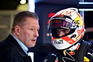 F1 Kijktip | Zestienjarige Verstappen test Formule Renault-bolide uit op Hockenheim
