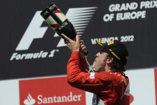 F1 Kijktip | Spaanse ridder Alonso in het rood