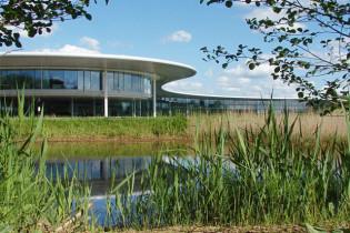 McLaren zet hoofdkwartier in Woking te koop