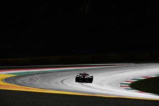 Verslag VT1 | Verstappen rijdt strakke P2 na vliegende start voor Red Bull