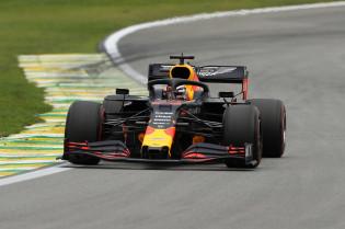 Red Bull experimenteert met nieuwe voorwielophanging tijdens Pirelli-tests
