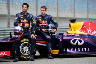 Het turbulente Red Bull-jaar van de jarige Ricciardo en Vettel