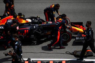 Villeneuve ziet Verstappen helpen: 'Kijken of Leclerc en Sainz dit ook kunnen'