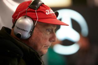 Lauda heeft nog aandelen in Mercedes: 'Moeten eind dit jaar oplossing hebben'