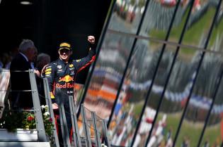 Verstappen zou Montoya graag als steward zien: 'Zou mijn maatje zijn'