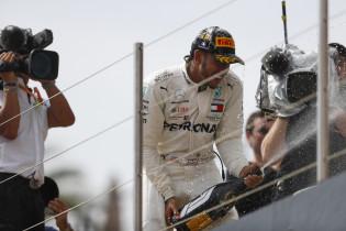 Mercedes: 'Om deze reden kozen we met Hamilton voor een harde band'