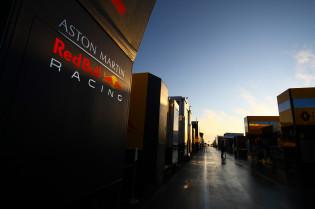 Coronel noemt nieuwe naam voor Red Bull: 'Maar weet niet of Mercedes hem los laat'