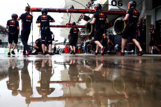 Record pitstop ook aan Verstappen te danken: 'Tot op de centimeter nauwkeurig gestopt'
