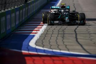 Verslag VT2 | Mercedes heerst in Sochi, Verstappen rijdt zevende tijd
