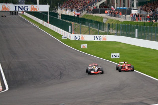 F1 Kijktip | Schumacher, Hamilton, Vettel en Häkkinen schitteren in F1-compilatie