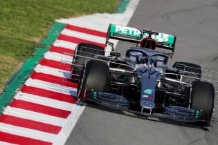 Mercedes blijft verbazen: de unieke achterwielophanging van de W11