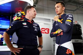 Horner reageert op langer verblijf Albon bij Red Bull: 'Willen hem naast Max zien'