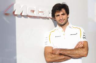 Sainz tweede coureur bij Ferrari? 'Je berooft elkaar alleen maar van WK-punten'