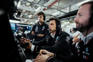 Wolff pareert Vettel-geruchten: 'Dan pas kijken we naar coureurs van buitenaf'