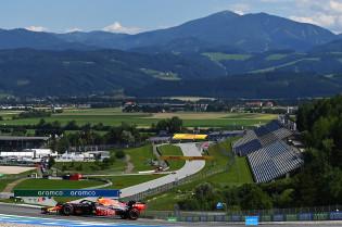 Kijkje in de Oostenrijkse paddock: 'Coureurs lachen elkaar uit'
