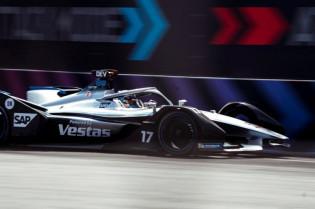 F1 techniek | Mercedes voegt extra functie aan remmen toe