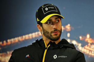 Ricciardo na annulering Grand Prix: 'Vroeg aan Verstappen wat zijn plannen waren'