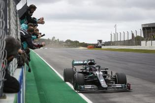 Red Bull kan titel Mercedes nog tegenhouden, maar het lijkt onwaarschijnlijk