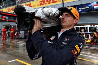 Update | Manager Verstappen: 'Max heeft geen grotere rol dan een Grosjean'