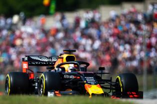 Verstappen verklaart gat naar Ferrari: 'Daarom zitten we verder van de kop af'