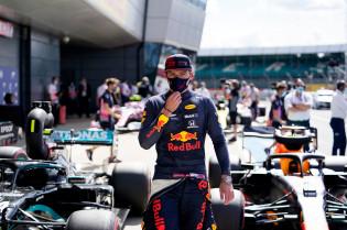 Horner: 'Geen motor-gerelateerde clausule in het contract van Verstappen'