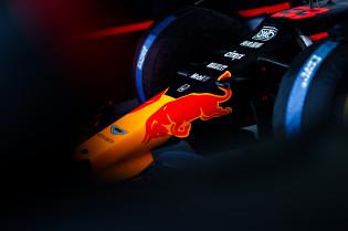 Villeneuve twijfelt aan Red Bull-kampioenschap: 'Ze gebruiken één motor per drie of vier races'