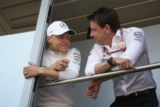 Autohebdo: 'Mercedes ziet Bottas graag vertrekken naar Renault'