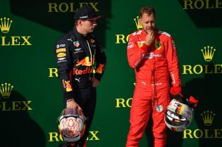 Vettel vreest Verstappen: 'Maakt een sterke en comfortabele indruk'