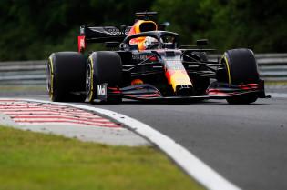 F1 Techniek | Red Bull rijdt met onderdelen van voor het seizoen