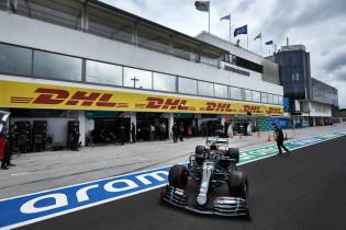 Waarom Mercedes zweeg over motorprobleem Hamilton: 'Konden hem niks vertellen'