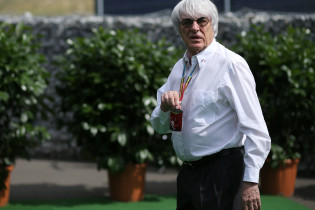 Ecclestone steunt Domenicali als F1-CEO: 'Hij heeft een goed netwerk'