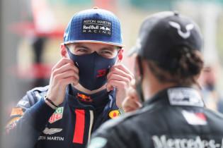 Pirelli luistert naar kritiek Hamilton en Verstappen: 'Ik wil dat niet horen'
