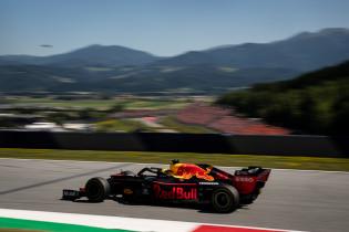 Uitslag VT1 Oostenrijk | Mercedes oppermachtig, Verstappen op P3