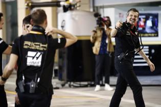 Steiner sprak Magnussen en Grosjean hartig toe: 'Moesten het uitpraten'