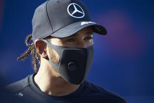 Hamilton kan Schumacher-record pakken: 'Cijfers betekenen niet zo veel'