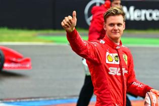 Schumacher terughoudend: 'Daarna zien we wel weer verder'