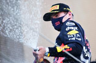 Villeneuve heeft gouden tip voor Verstappen: 'Kruip in het hoofd van Hamilton'