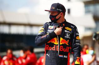 Cijfers: Perfecte score voor Verstappen en Leclerc, Albon een teleurstellende 4